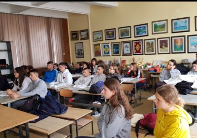 "Awareness raising session in Mitrovica high school ""Frang Bardhi"""